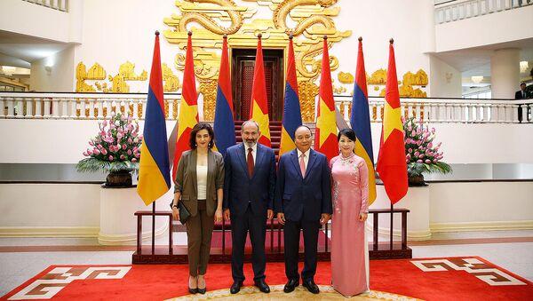 Анна Акопян встретилась с супругой премьер-министра Вьетнама Тран Нгует Ту (5 июля 2019). Ханой - Sputnik Армения