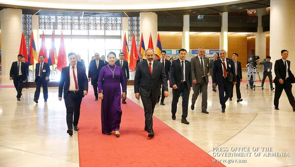 Премьер-министр Армении Никол Пашинян встретился с председателем парламента Вьетнама Нгуен Тхи Ким Нган (6 июля 2019). Ханой - Sputnik Армения