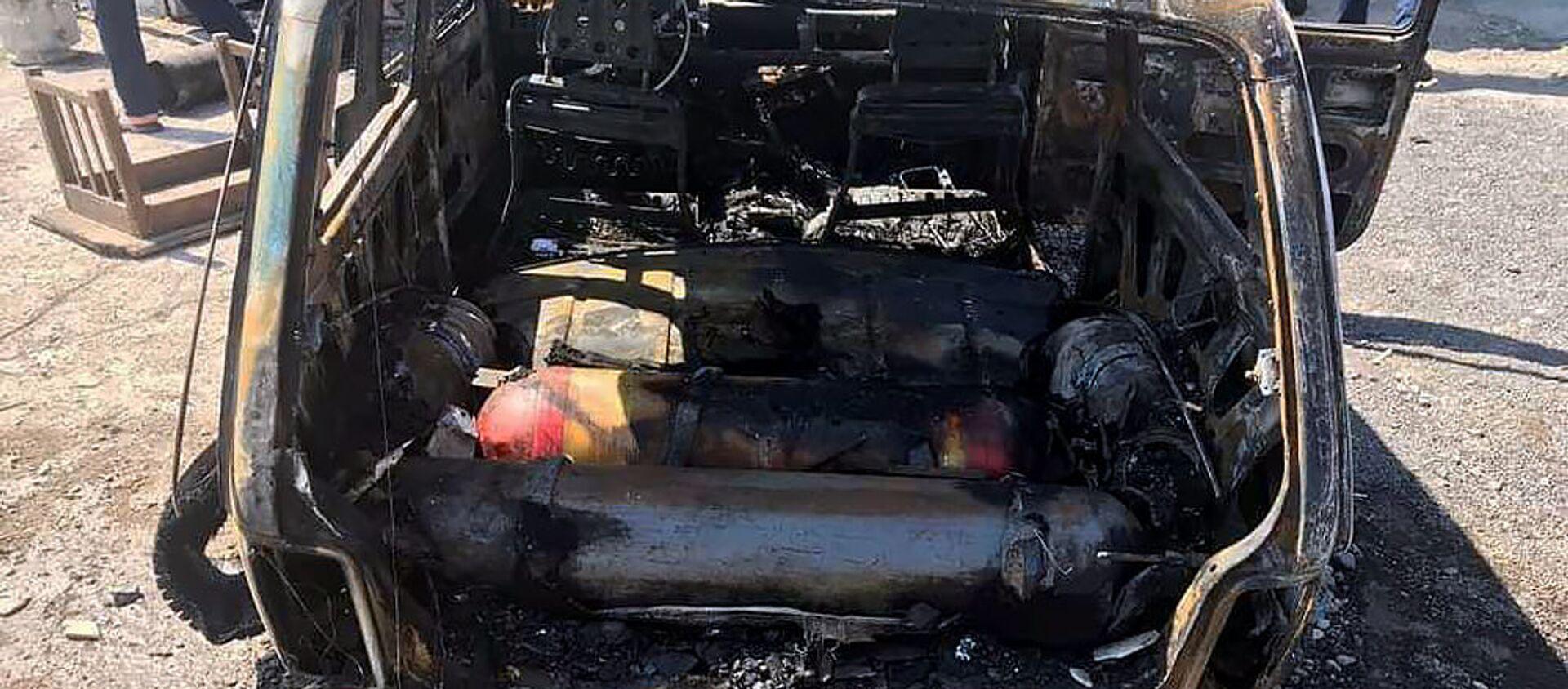Сгоревший автомобиль ВАЗ 2121 (9 июля 2019). Арташат - Sputnik Արմենիա, 1920, 18.06.2021