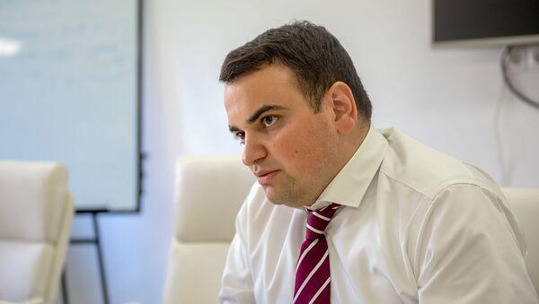 Нарек Карапетян во время интервью агенству Sputnik Армения (17 июля 2019). Еревaн - Sputnik Армения