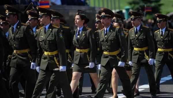 Церемония вручения дипломов выпускникам военно-учебных заведений (22 июля 2019). Еревaн - Sputnik Արմենիա