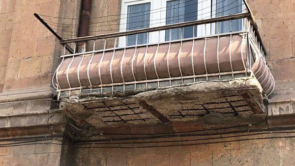 Аварийное здание в Гюмри - Sputnik Արմենիա