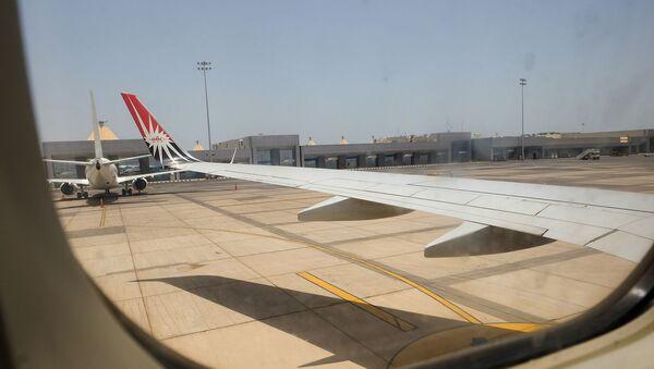 Международный аэропорт Хургады из иллюминатора самолета - Sputnik Արմենիա