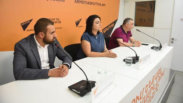 Пресс-конференция по теме туристического скандала в Армении (25 июля 2019). Еревaн - Sputnik Армения
