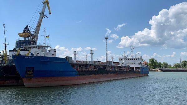 Российский танкер Nika Spirit (бывшее назывался Neyma), задержанный СБУ в порту Измаил - Sputnik Армения