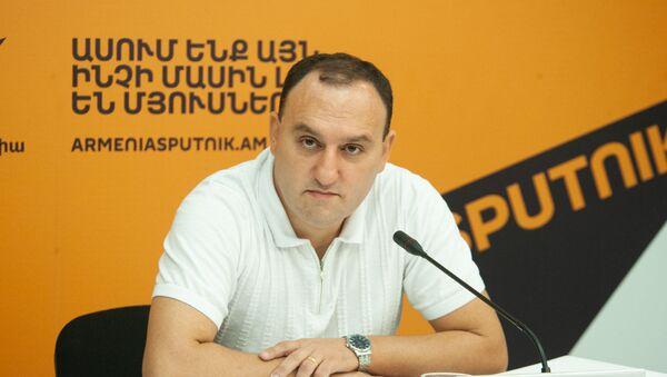 Георгий Меликян на пресс-конференции в мультимедийном пресс-центре Sputnik (26 июля 2019). Еревaн - Sputnik Արմենիա