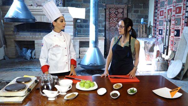 В гостях у шеф-повара: как приготовить Фаршированные яблоки - Sputnik Армения