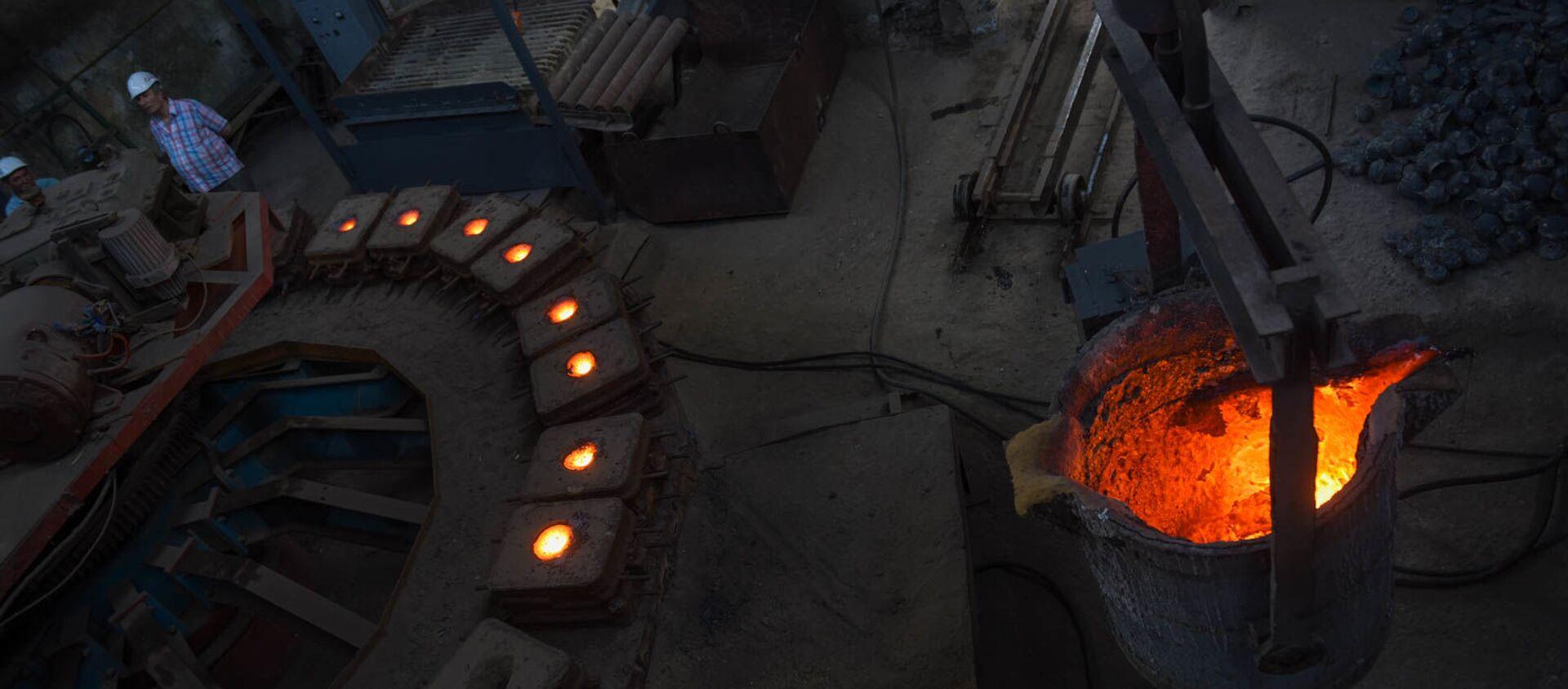 Производство шаров для рудных мельниц на медеплавильном заводе ACP, город Алаверди - Sputnik Արմենիա, 1920, 14.10.2019