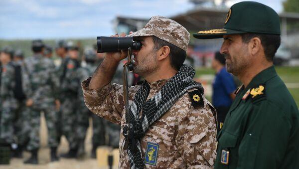 Военнослужащие команды армии Ирана во время подготовки к международным соревнованиям Танковый биатлон-2019 на подмосковном полигоне Алабино - Sputnik Արմենիա