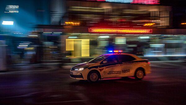 Автомобиль патрульной службы на улице Вардананц - Sputnik Армения