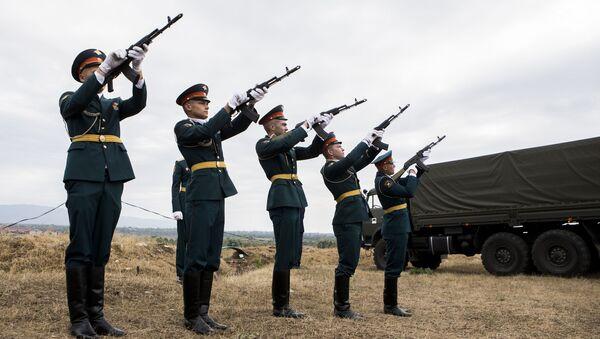 Траурные мероприятия в Абхазии и Ю. Осетии в память о погибших в конфликте с Грузией - Sputnik Армения