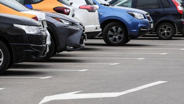 В России могут пересмотреть стандарты размеров парковочных мест - Sputnik Армения
