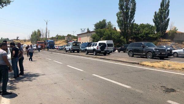 Взрыв на трассе в Армении - Sputnik Армения