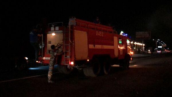 Пожар у Северного въезда в Ереван - Sputnik Армения