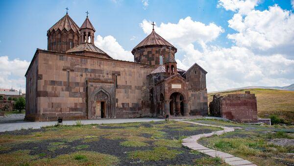 Средневековый монастырский комплекс Аричаванк - Sputnik Армения