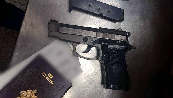 Сотрудники СНБ обнаружили заряженный пистолет в багаже одного из пассажиров    - Sputnik Արմենիա