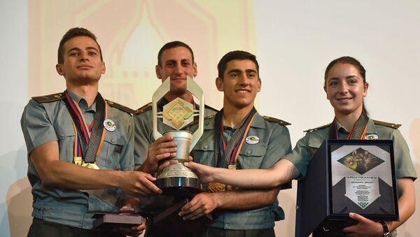 Церемония награждения победителей на закрытии конкурса Воин мира (13 августа 2019). Дилижан - Sputnik Արմենիա