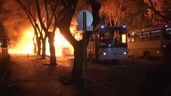 СПУТНИК_Заминированный автомобиль взорвался в центре Анкары. Кадры с места ЧП - Sputnik Армения