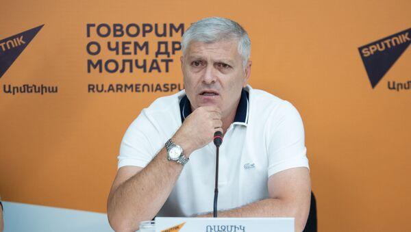 Размик Григорян - Sputnik Արմենիա