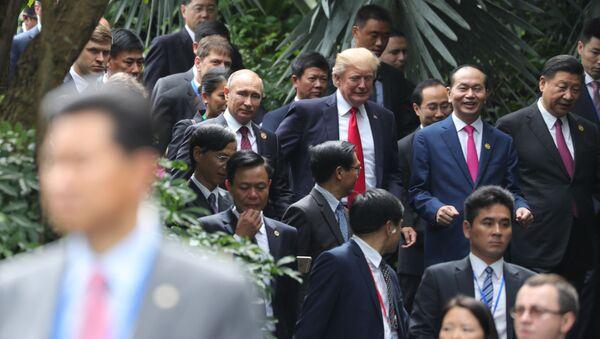 Председатель Китайской Народной Республики Си Цзиньпин, президент Социалистической Республики Вьетнам Чан Дай Куанг, президент США Дональд Трамп. - Sputnik Армения