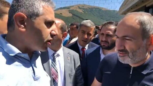 Премьер-министр Армении Никол Пашинян в Джермуке (23.08.2019) - Sputnik Армения
