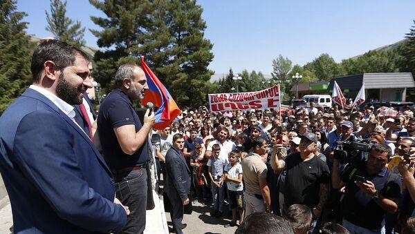 Премьер-министр Армении Никол Пашинян в Джермуке (23.08.2019) - Sputnik Արմենիա