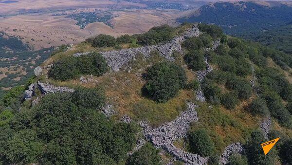 Крепость Тхит, часовня Цахкеванк: исторические тайны гор Цахкуняц - Sputnik Армения