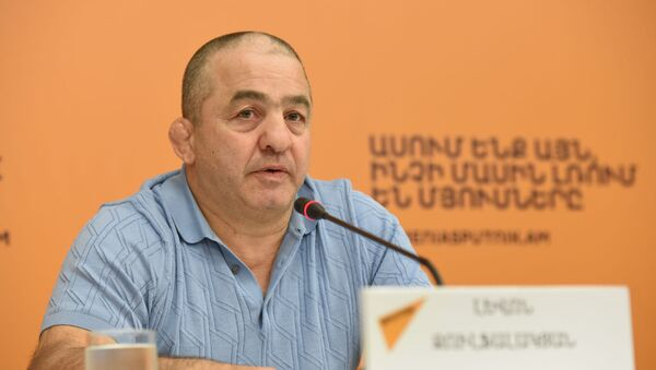 Левон Джулфалакян на пресс-конференции по теме своей отставки (27 августа 2019). Еревaн - Sputnik Армения
