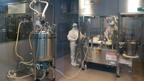 Производство лекарств в Армении на фармацевтическом заводе Ликвор - Sputnik Армения