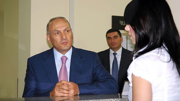 Председатель КГД Гагик Хачатрян во время сдачи в эксплуатацию нового зала обслуживания (2 августа 2012). Еревaн - Sputnik Արմենիա
