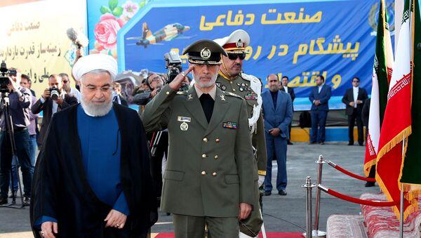 Президент Ирана Хасан Роухани во время презентации ЗРК иранского производства Бавар-373 (22 августа 2019). Иран - Sputnik Армения