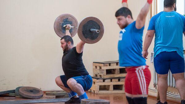 Тренировка армянских тяжелоатлетов - Sputnik Армения