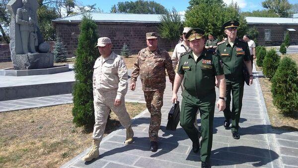 Делегация Главного управления военной полиции МО РФ посетила Российскую военную базу Южного военного округа (28 августа 2019). Гюмри - Sputnik Армения