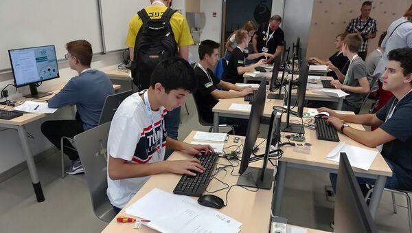 Армянские школьники на 3-й Международной олимпиаде по информатике (август 2019). Марибор, Словения - Sputnik Армения