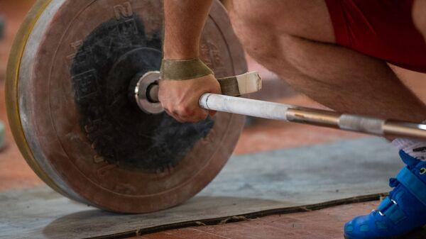 Тренировка в преддверии ЧМ-2019 по тяжелой атлетике - Sputnik Армения