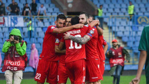Футбольный матч отборочного тура Евро-2020 между сборными Армении и Боснии и Герцеговины - Sputnik Армения