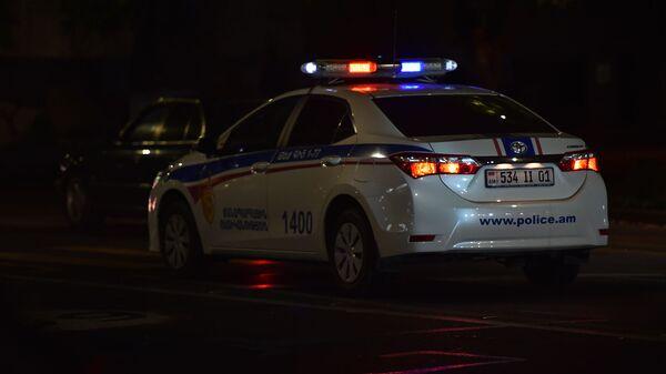 Полицейский автомобиль на проспекте Маштоца - Sputnik Армения
