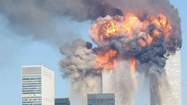 Взрыв Всемирного торгового центра после удара самолетов 11 сентября 2001 года - Sputnik Արմենիա
