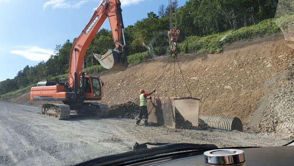 Строительство шоссе между Южно-Курильском и аэропортом Менделеево на Кунашире - Sputnik Արմենիա