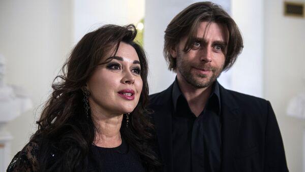 Актриса Анастасия Заворотнюк с мужем, фигуристом Петром Чернышевым  - Sputnik Արմենիա