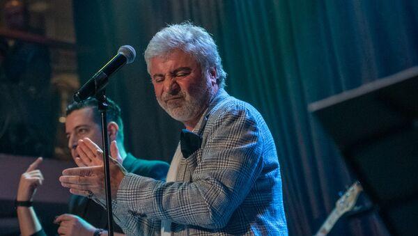 Концерт Сосо Павлиашвили и NavereY Orchestra в клубе Mezzo (18 сентября 2019). Еревaн - Sputnik Արմենիա