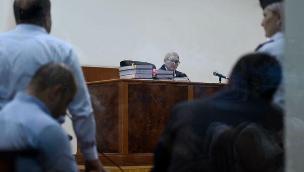 Судья Анна Данибекян наблюдает за выступлением адвоката Айка Алумяна на судебном заседании по делу 1 марта (20 сентября 2019). Еревaн - Sputnik Արմենիա