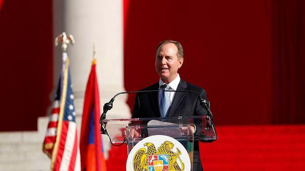 Конгрессмен Адам Шифф выступил с приветственной речью перед началом митинга премьер-министра Армении (22 сентября 2019). Лос-Анджелес - Sputnik Армения