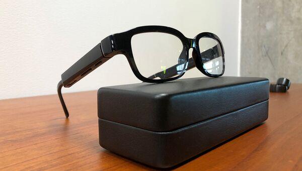 Echo Frames - новые очки от компании Amazon, которые поставляются с его виртуальным помощником Alexa в штаб-квартире компании (25 сентября 2019). Сиэтл - Sputnik Արմենիա