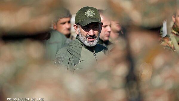 Премьер-министр Никол Пашинян посетил военные учения (28 сентября 2019). Армения - Sputnik Армения
