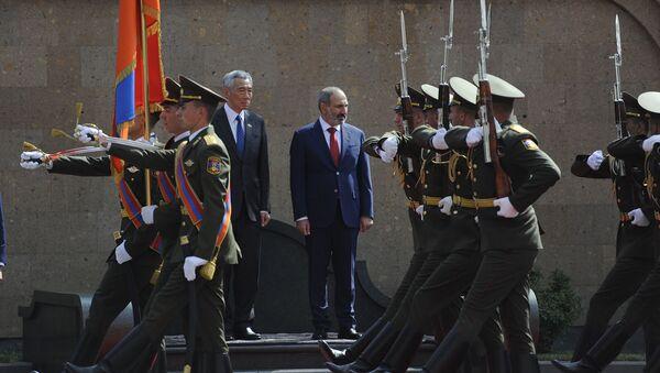 Премьер-министр Армении Никол Пашинян и премьер Сингапура Ли Сянь Лун - Sputnik Армения
