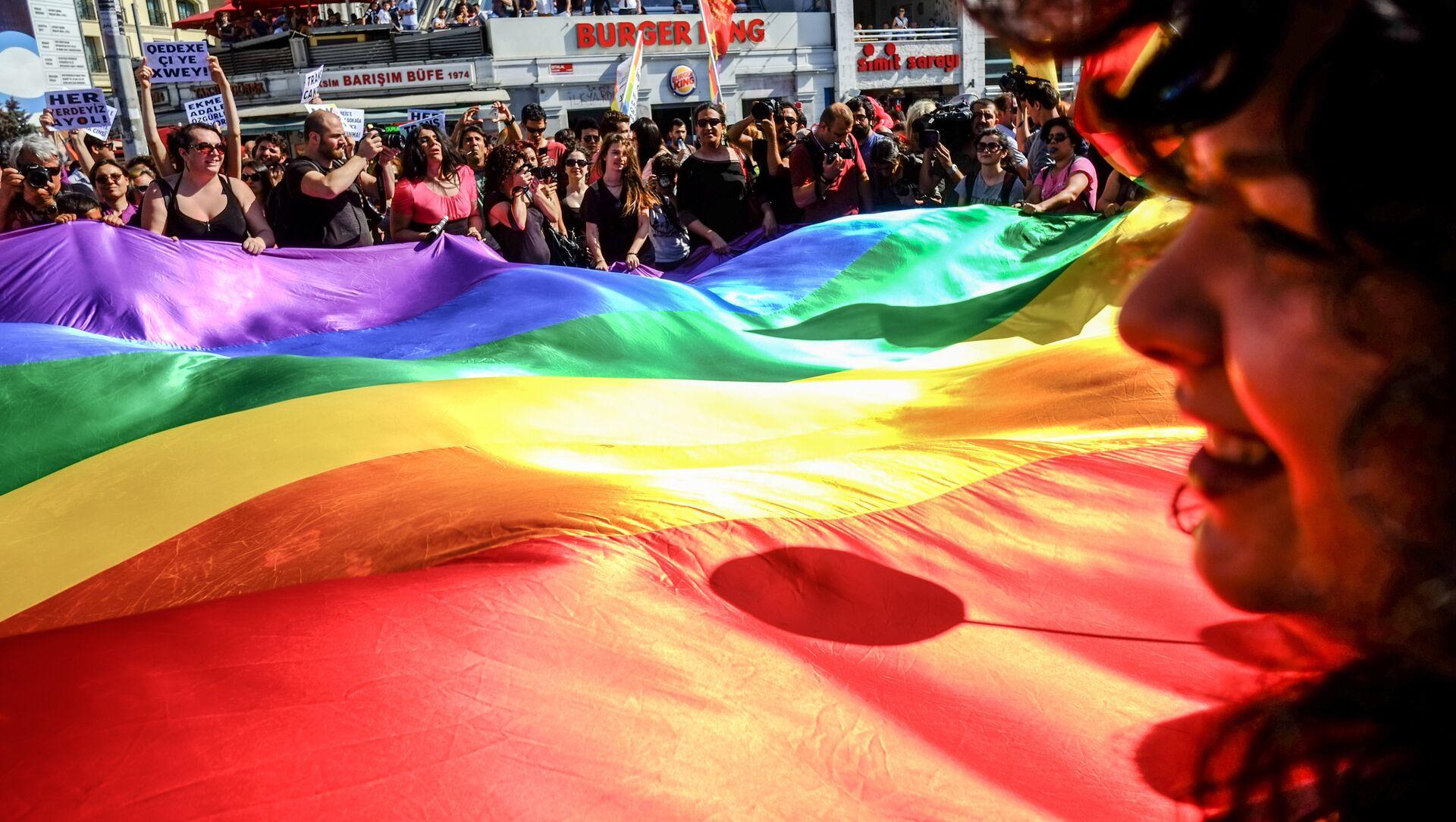 Гей-парад в Стамбуле - Sputnik Արմենիա, 1920, 07.07.2021