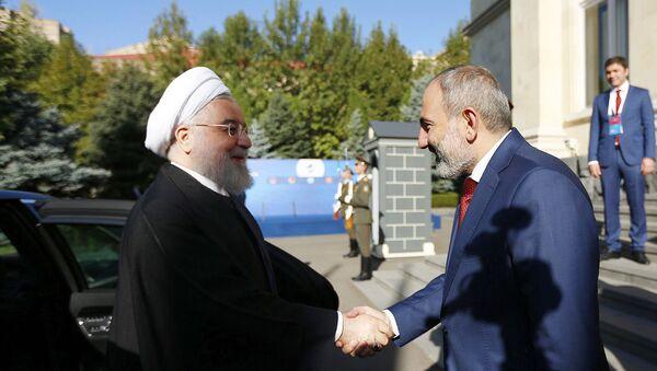 Премьер-министр Никол Пашинян встретился с Президентом Исламской Республики Иран Хасаном Роухани  (1 октября 2019) Еревaн - Sputnik Армения