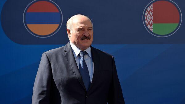 Президент Беларуси Александр Лукашенко перед началом заседания Высшего Евразийского Экономического Совета (1 октября 2019). Еревaн - Sputnik Արմենիա