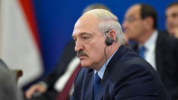 Президент Беларуси Александр Лукашенко во время расширенного заседания Высшего Евразийского Экономического Совета (1 октября 2019). Еревaн - Sputnik Армения
